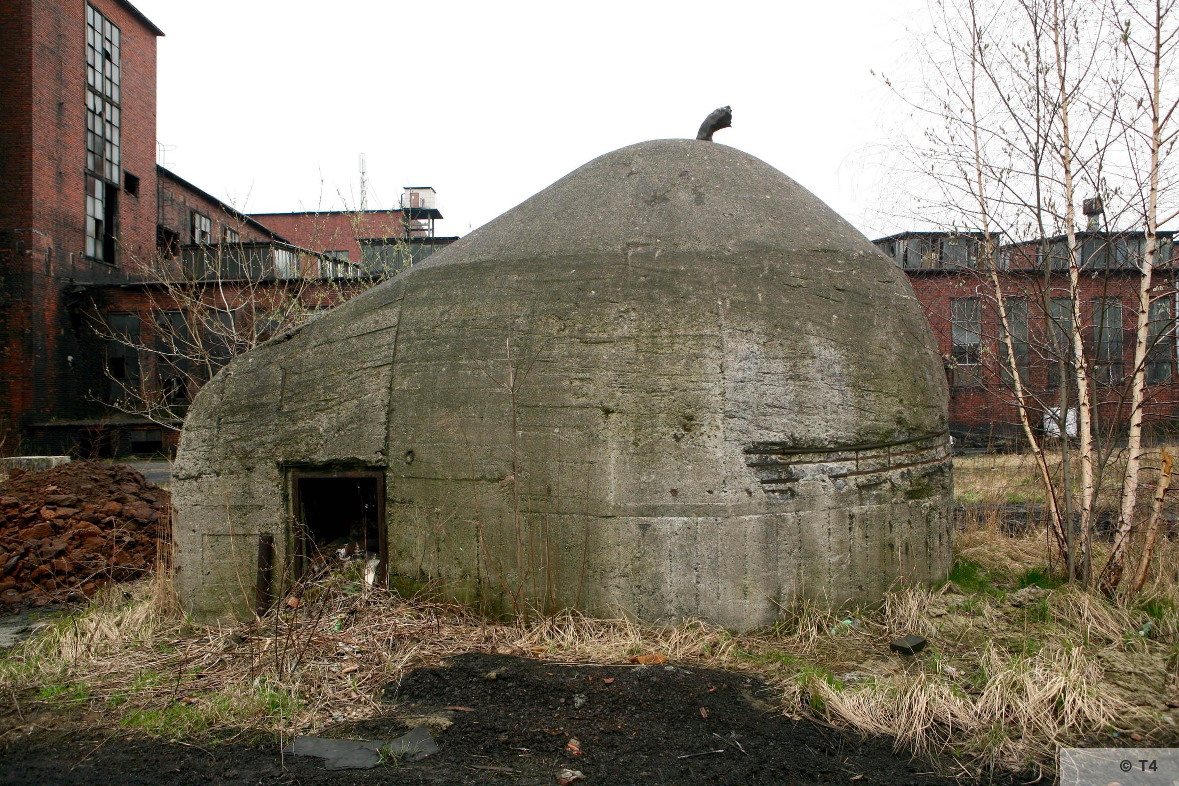 Air raid bunker on the area of the former Deutsche Garusswerke. 2007 T4 5312