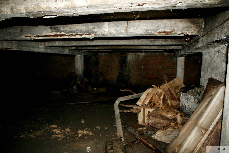 Air raid bunker. 2006 T4 3761