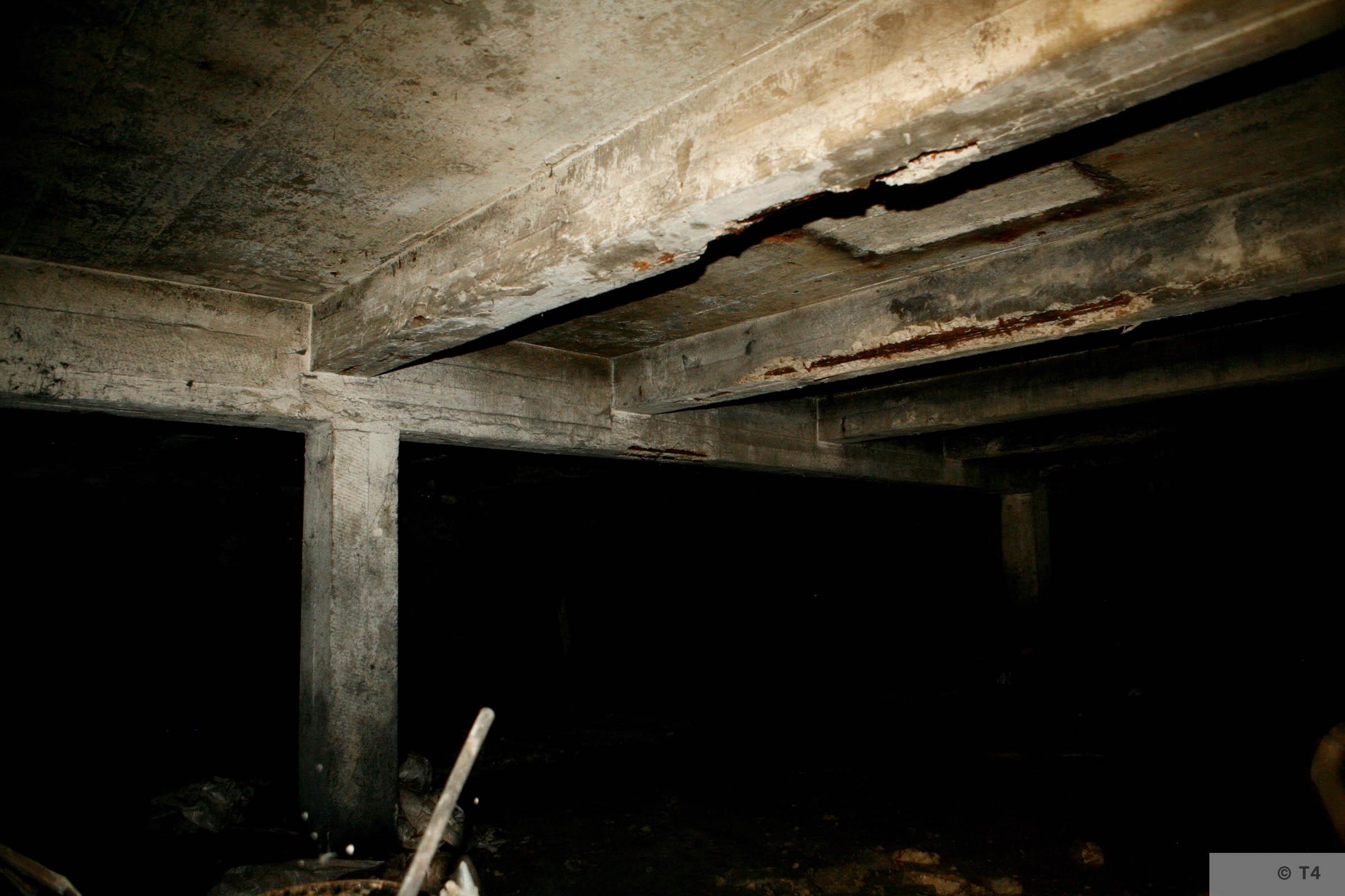 Air raid bunker. 2006 T4 3764