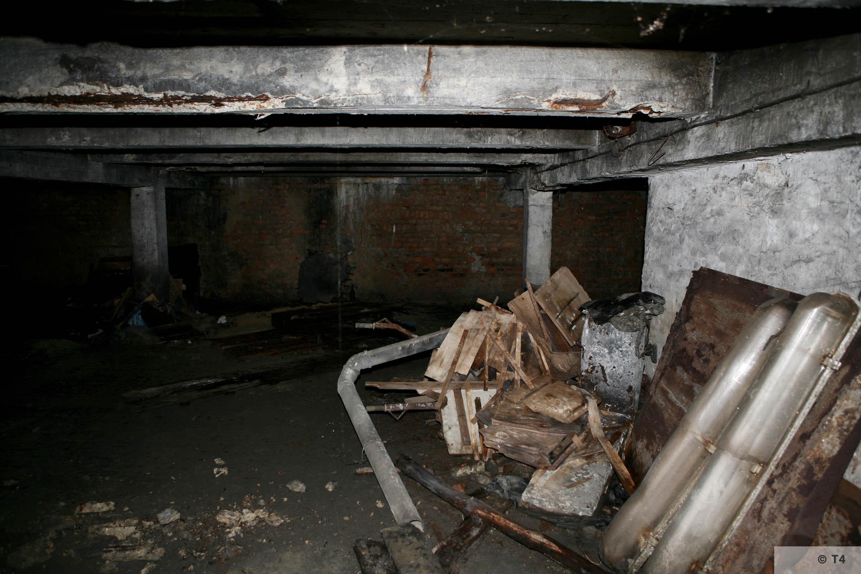 Air raid bunker. 2006 T4 3771