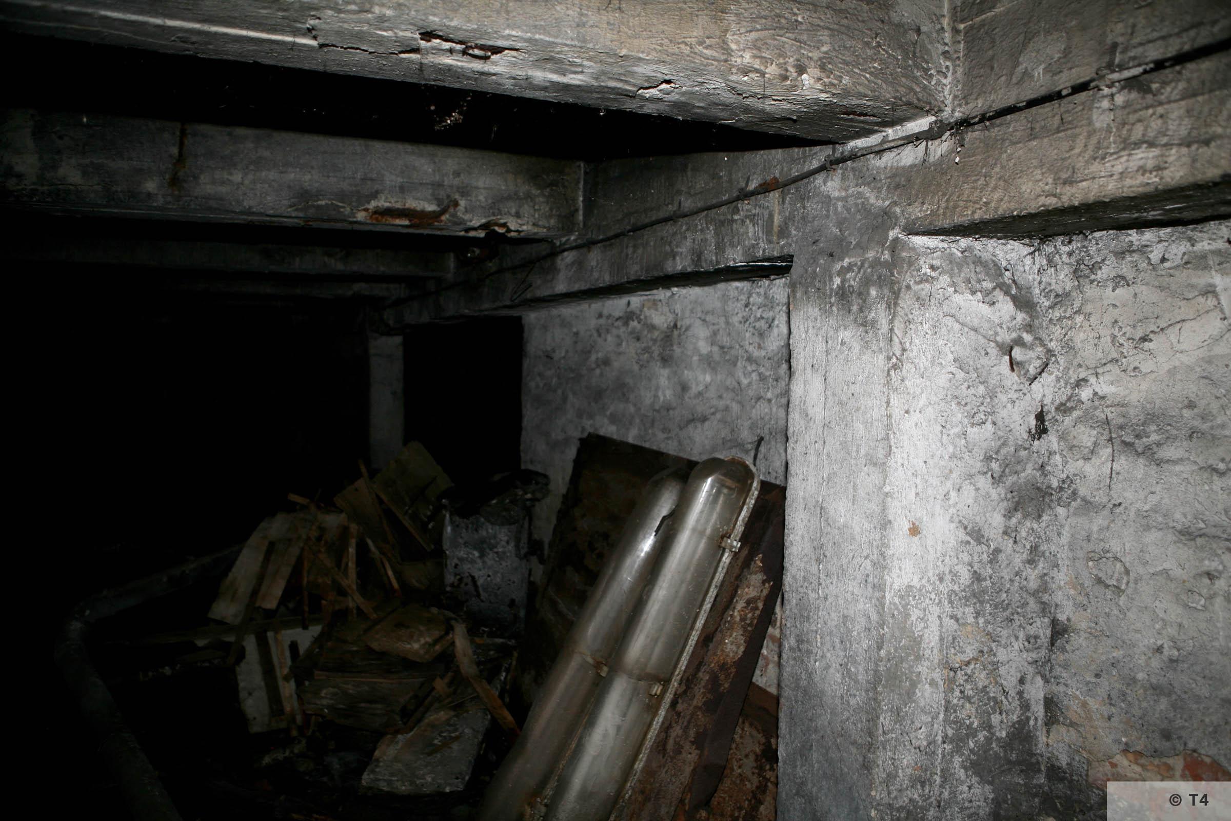 Air raid bunker. 2006 T4 3774
