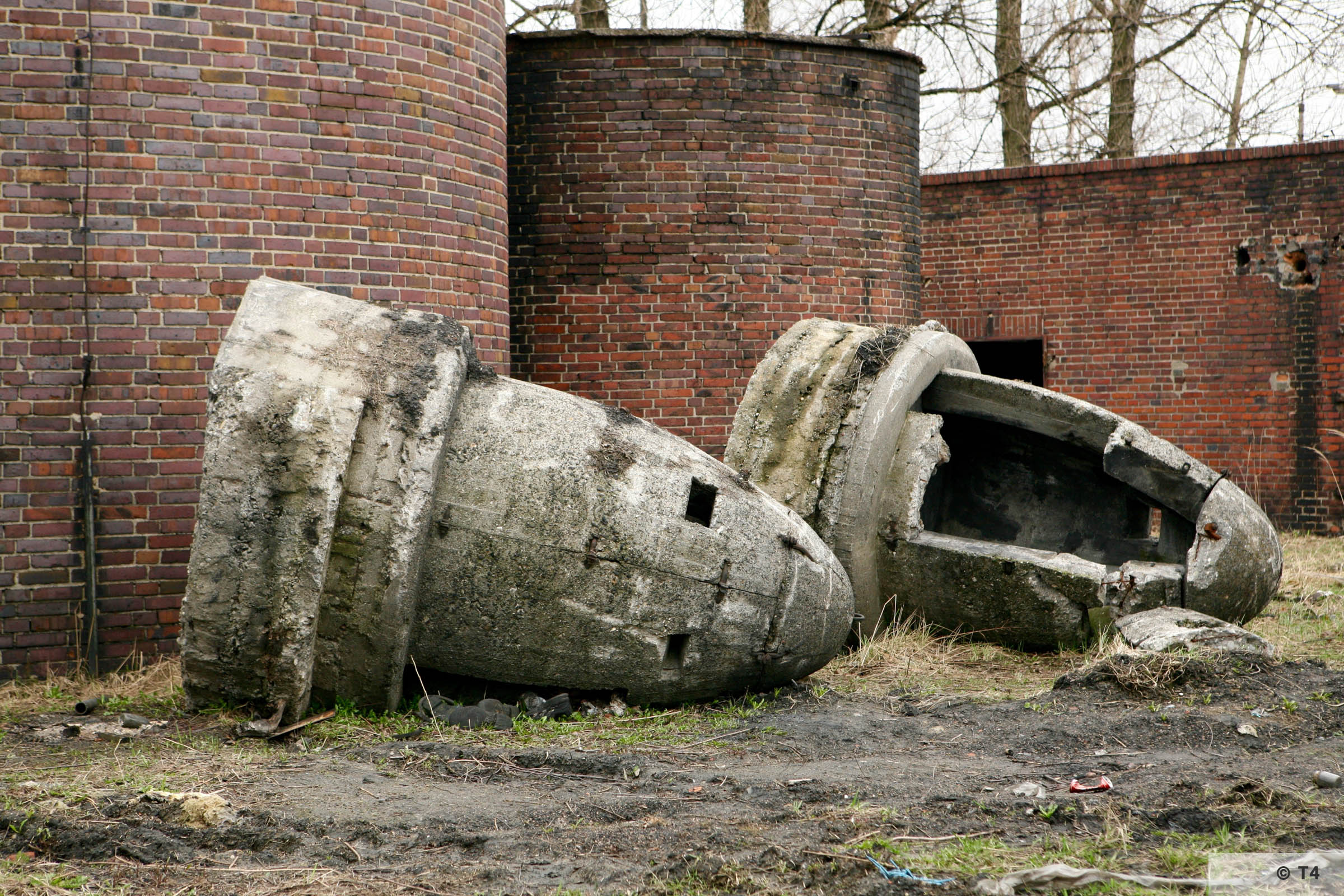 Air raid bunkers on the area of the former Deustche Garusswerke. 2007 T4 5288