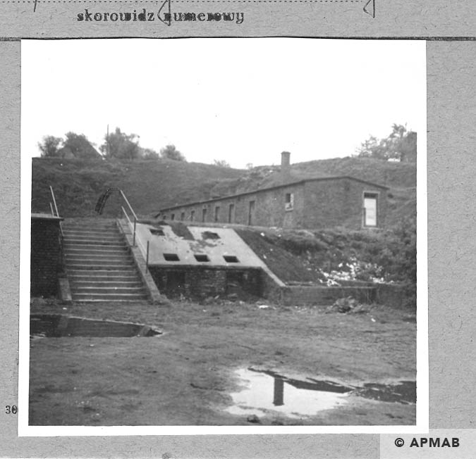 Annarampe one of the storehouses. 1966 APMAB 9786