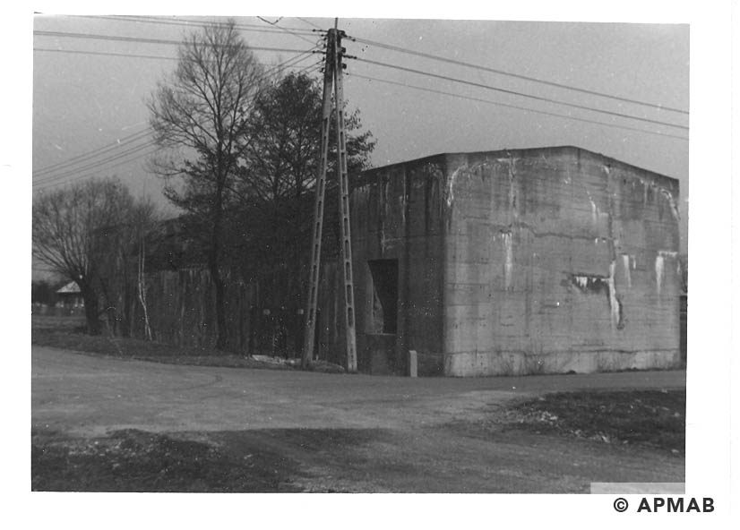 Anti aircraft bunker near the sub camp. 1993 APMAB 21749 3