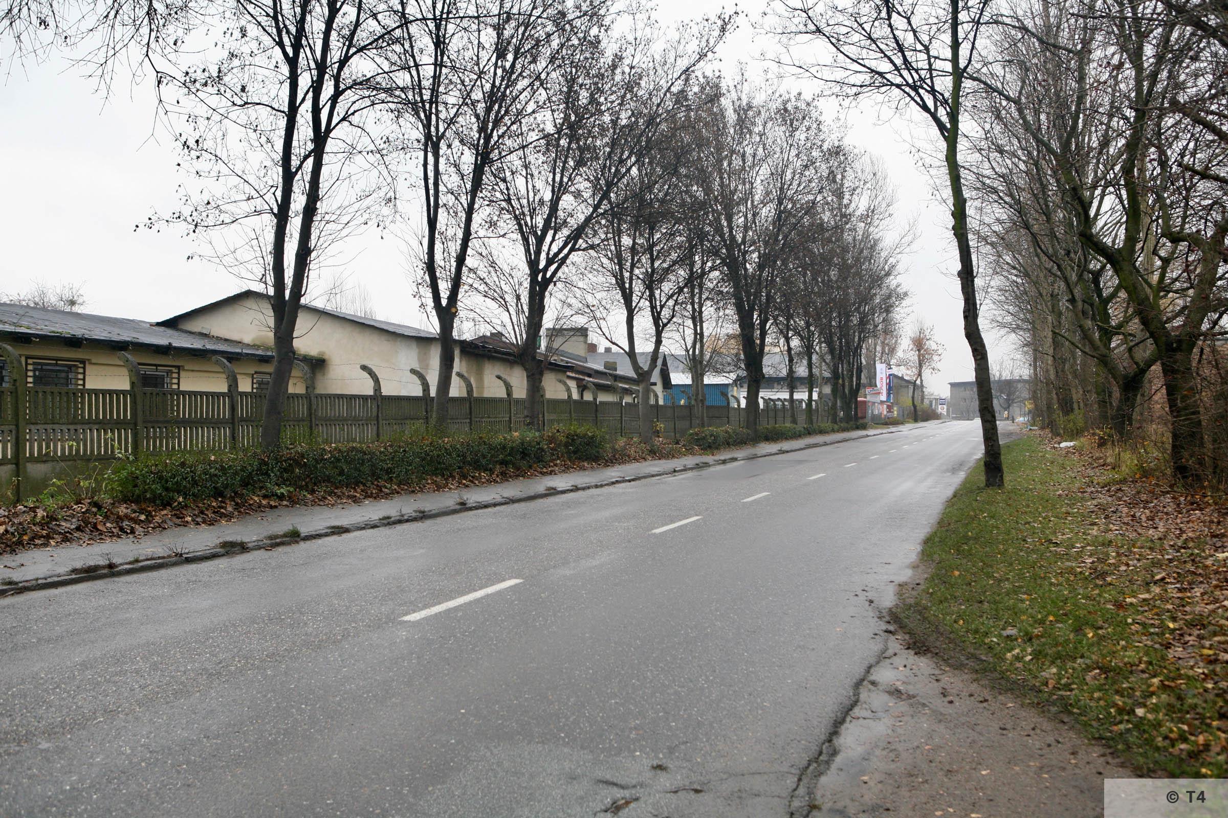 Area of Hindenburg sub camp on the left. Prisoner barracks. 2007 T4 3652