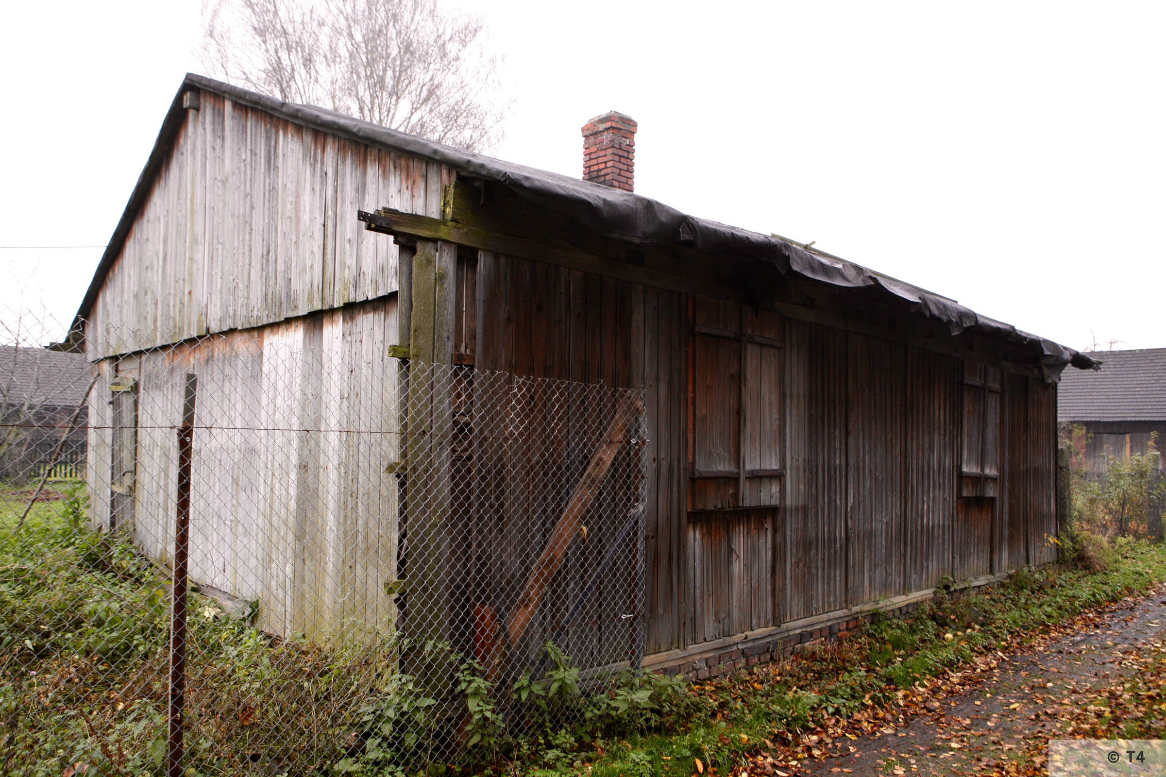 Barrack in the area of the former sub camp. 2008 T4 3221