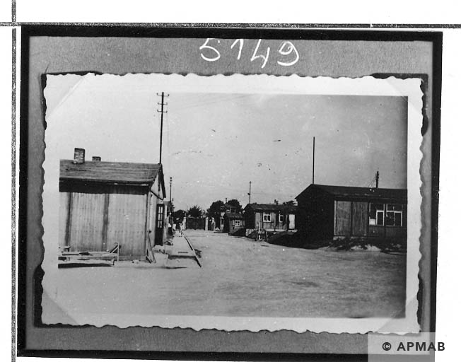 Barracks for prisoners. APMAB Yad Vashem 13406