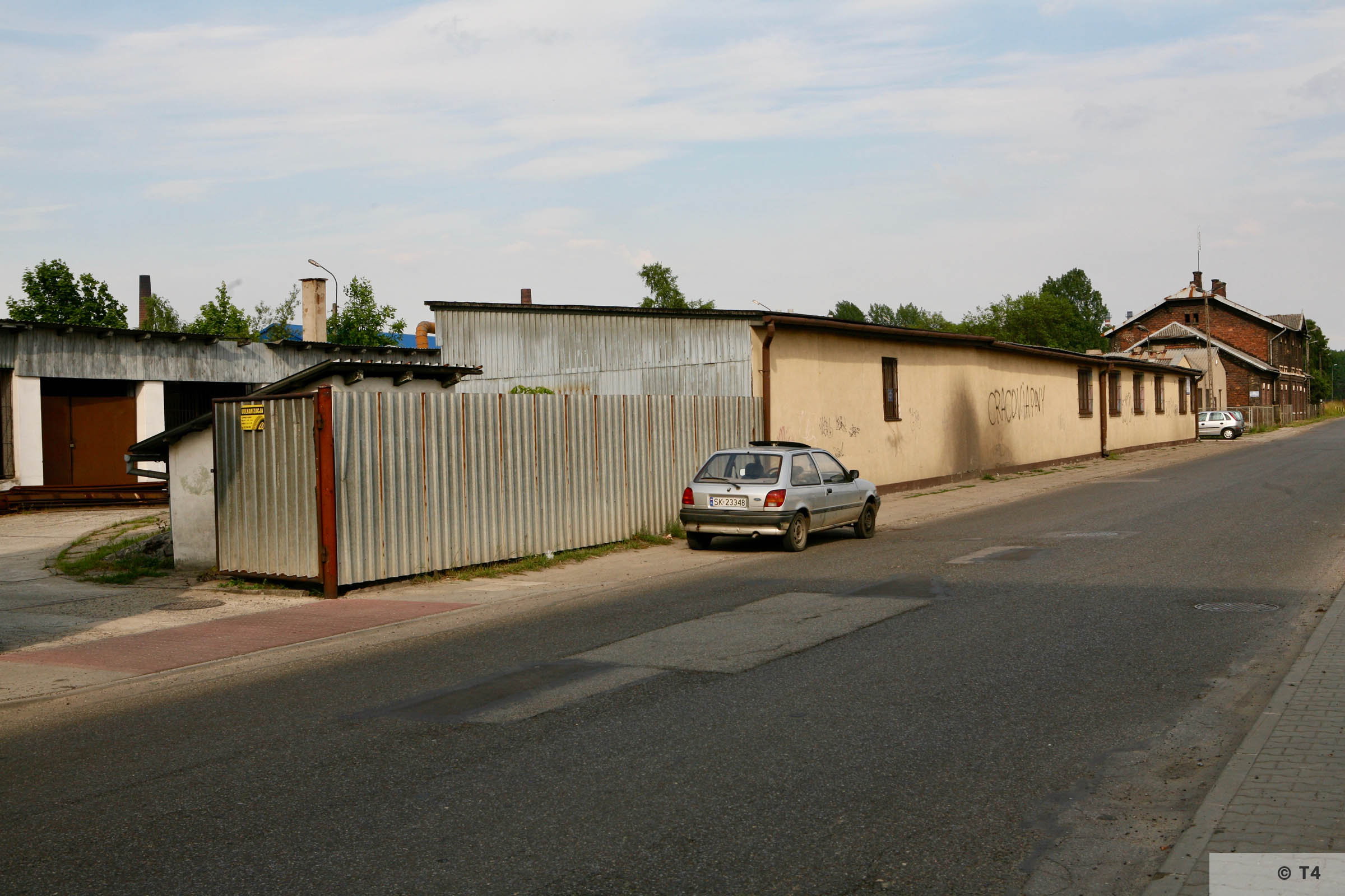 Barracks near Trzebinia railway station. 2007 T4 4737