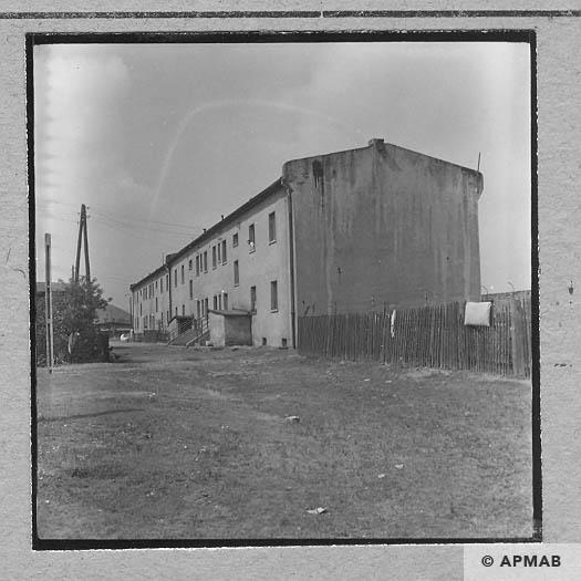 Brick biulding where prisoners lived 1963 APMAB 5672