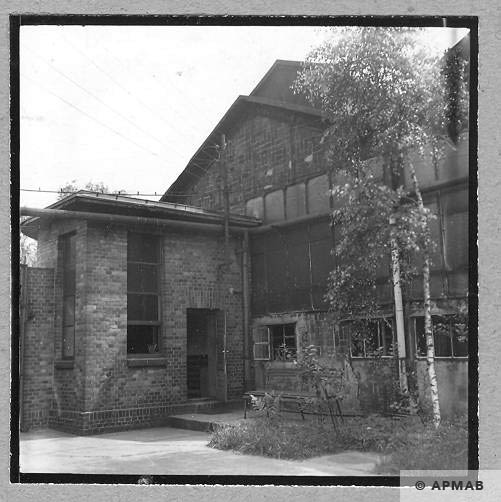 Brick building where the prisoners lived 1963 APMAB 4637