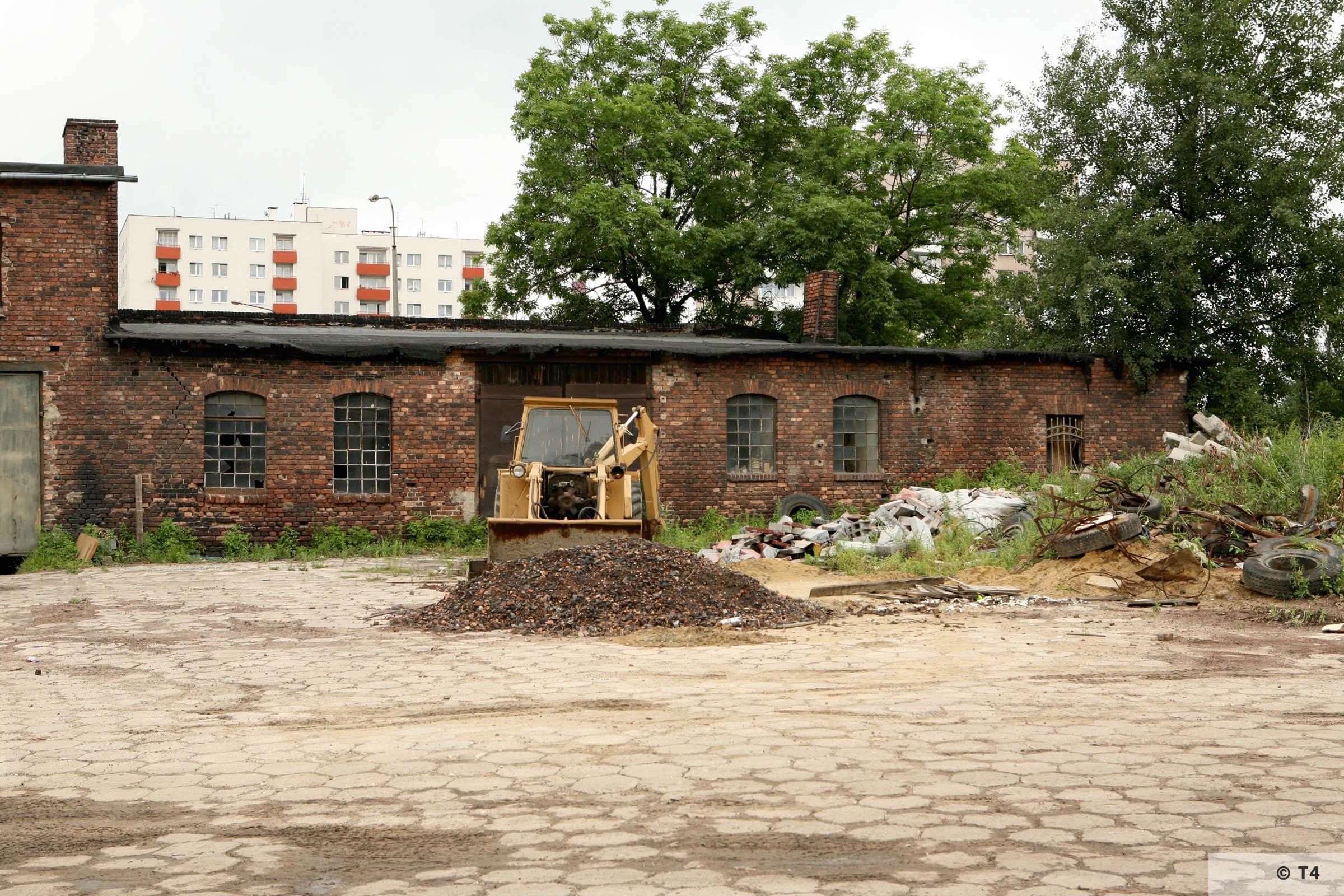 Brickyard at ul Ceglana where prisoners lived. 2007 T4 9475
