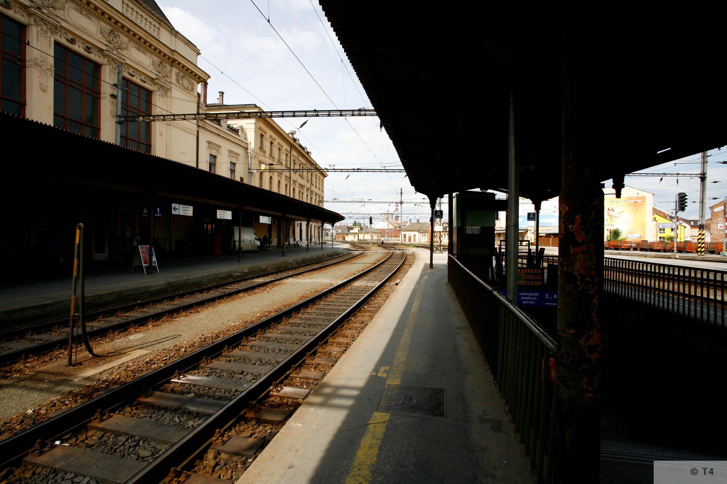 Brno railway station 2006 T4 5778