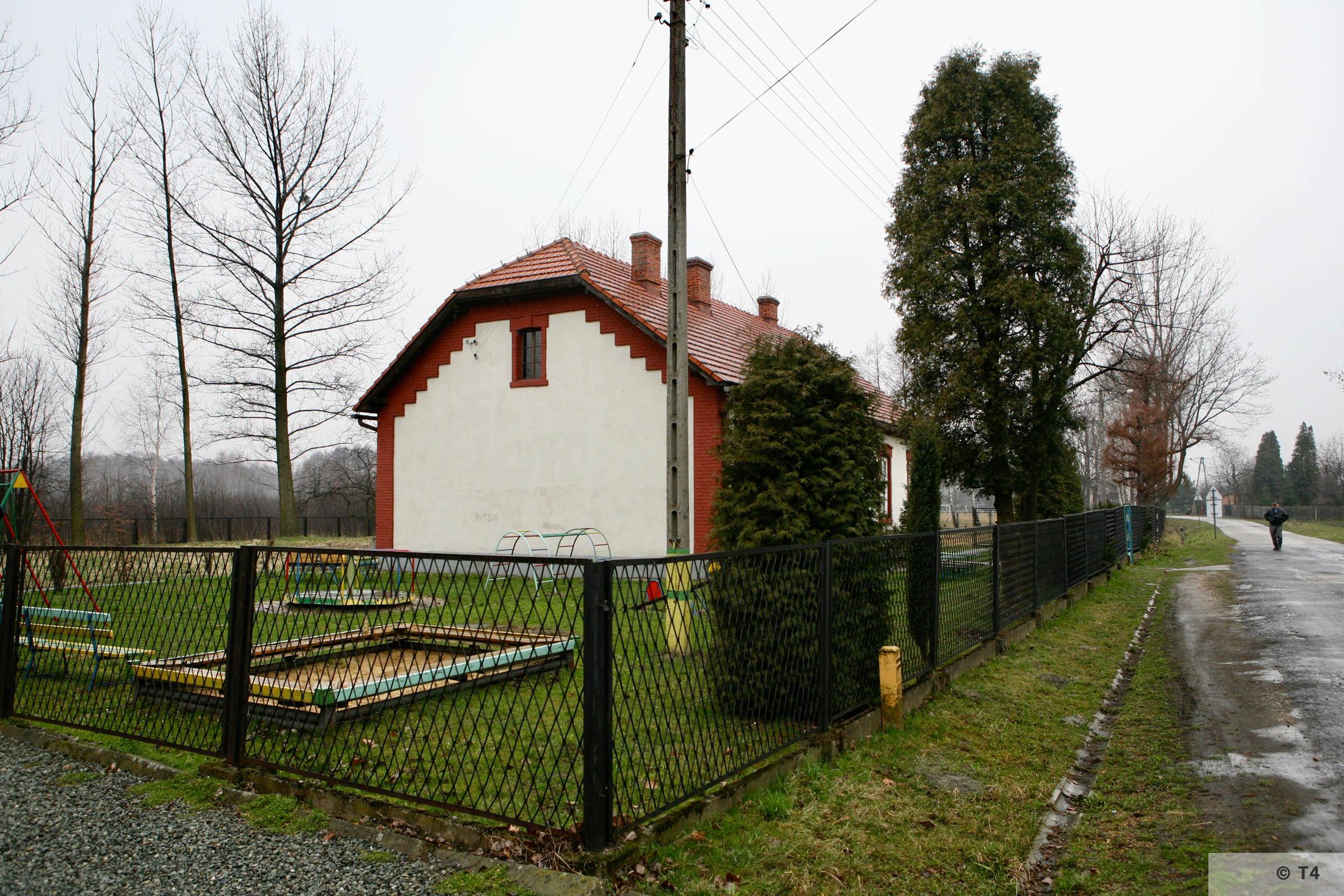 Budy school. 2007 T4 3792