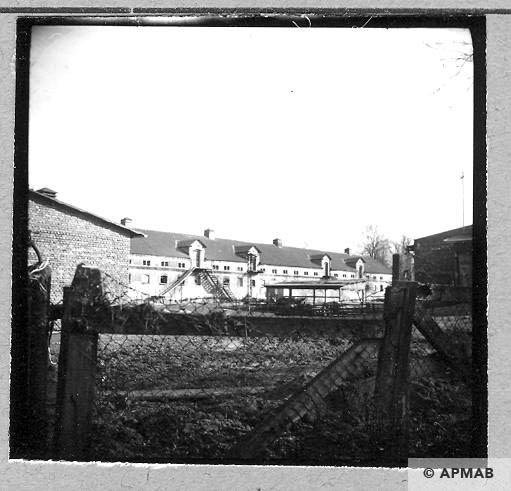 Building for prisoners, view from the North 1959 APMAB 4367