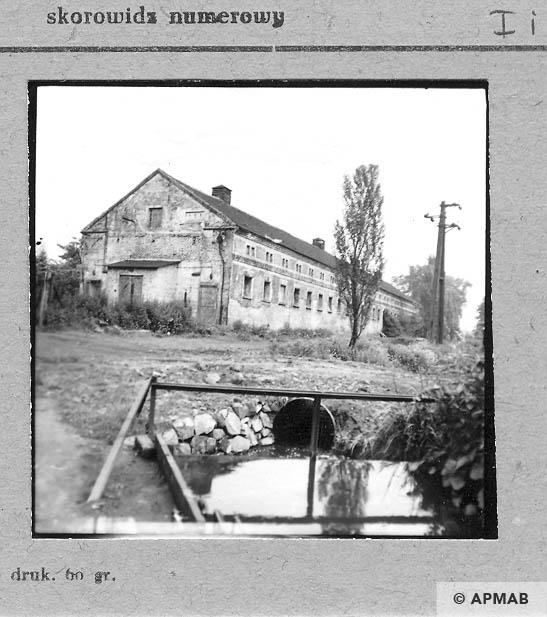 Building for prisoners. 1959 APMAB 6480