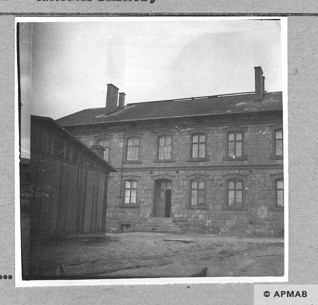 Building for the SS men and fragment of the gaurdhouse. 1959 APMAB 4389
