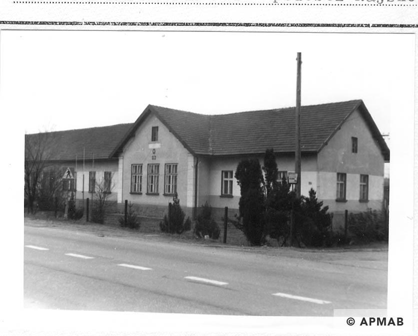 Building part of the camp in Rajsko.1993 APMAB 21748 3