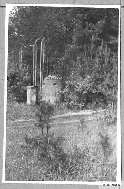 Bunker in the camp close to the road between Judenlager and Banhoflager. 1965 APMAB 8768