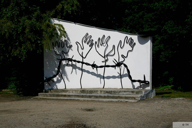 Camp memorial. 2006 T4 5510