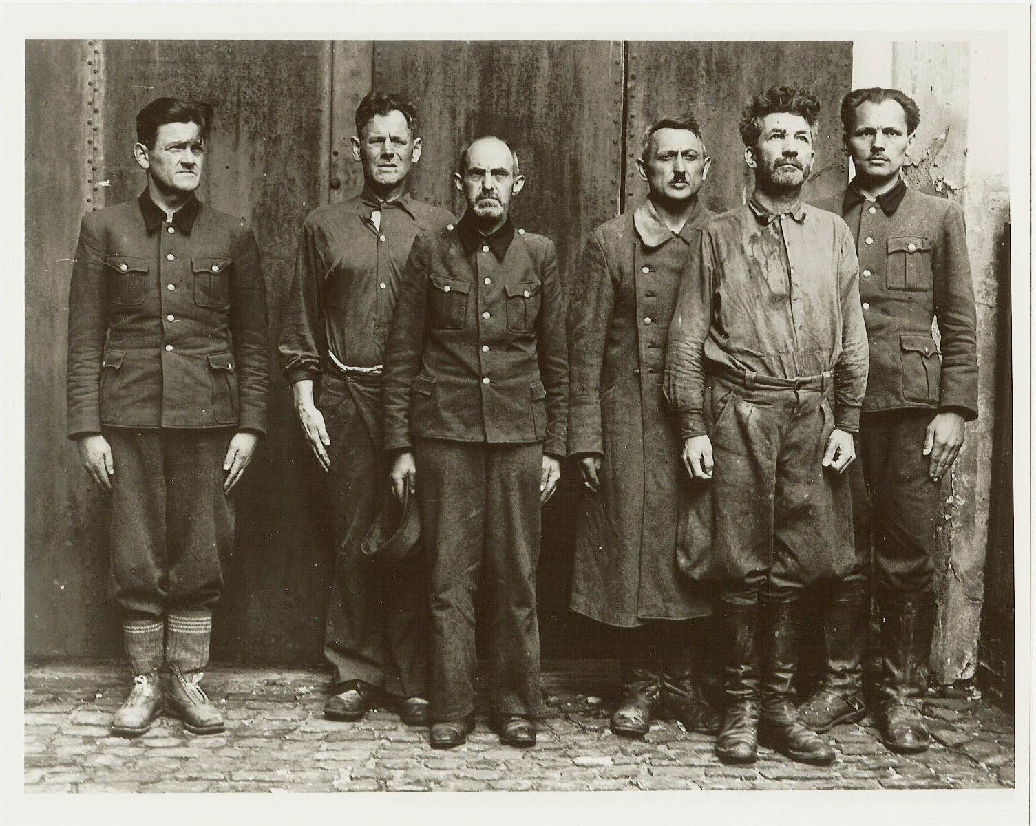 Captured SS guards at Bergen-Belsen concentration camp May 1945. Franz Hössler far left. May 1945 Public Records Office London