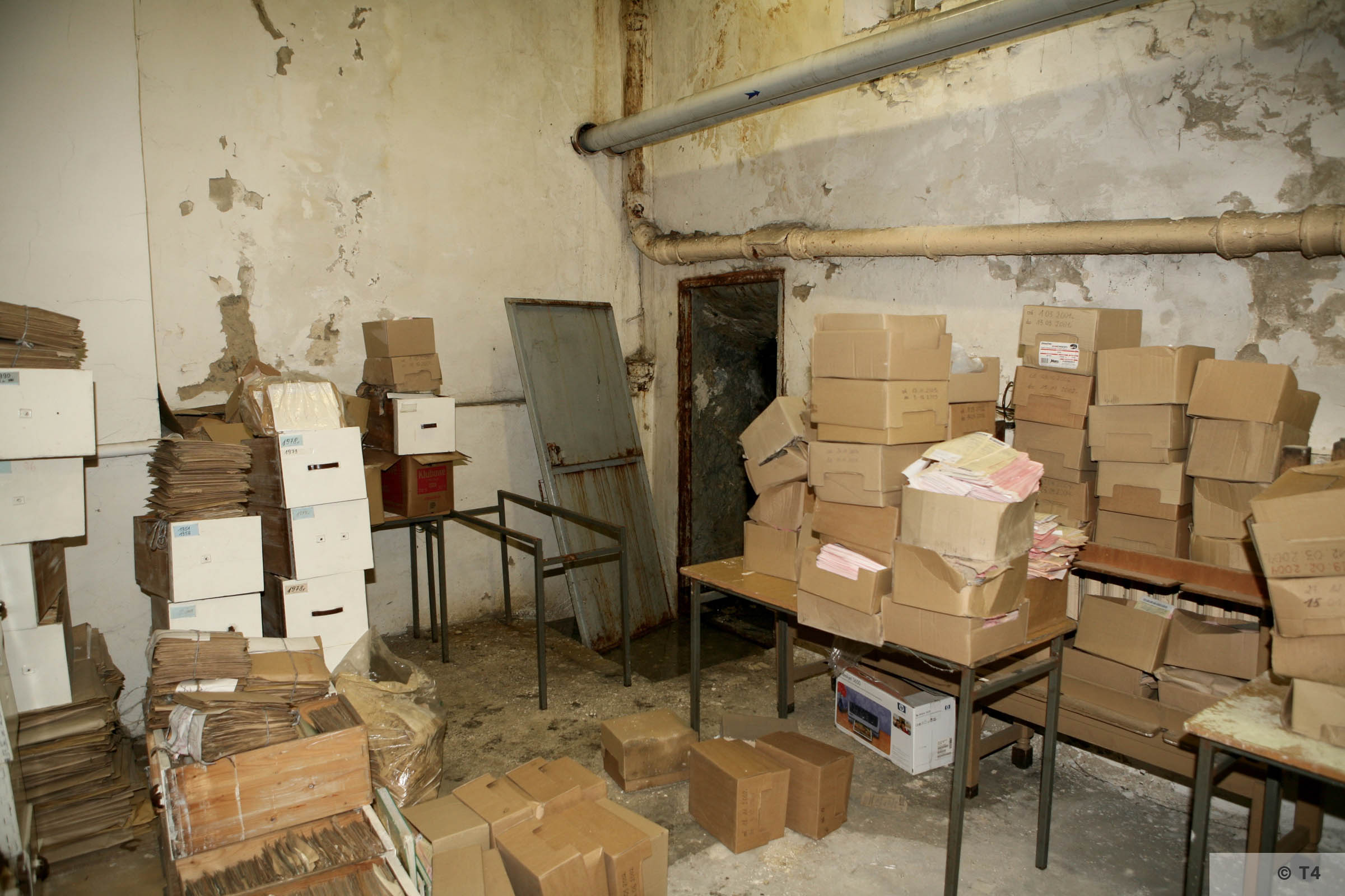 Cellar in former Kattowice Headquarters. 2006 T4 3862