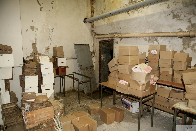 Cellar in former Kattowice Headquarters. 2006 T4 3862