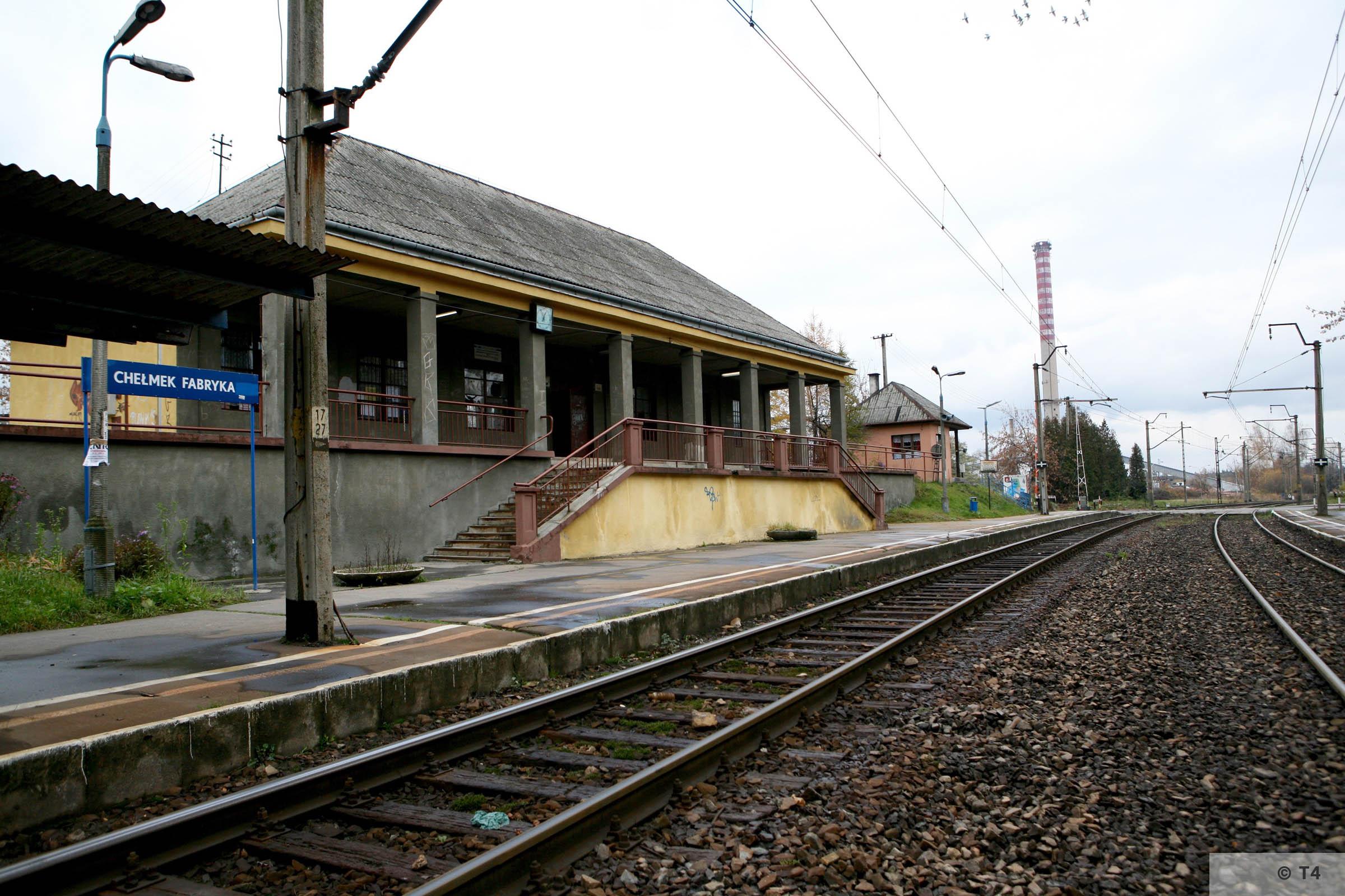 Chelmek Fabryka railway station. 2007 T4 3346