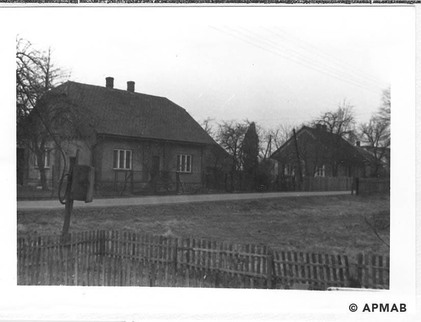 Comparison photograph. Buildings where SS men lived. 1955 APMAB 21747 3