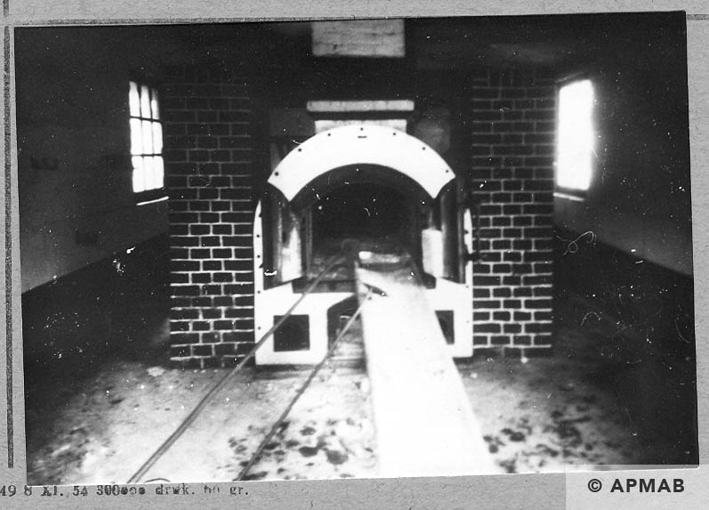 Crematorium – oven, stretcher and poker for ashes. 1946 APMAB 10758