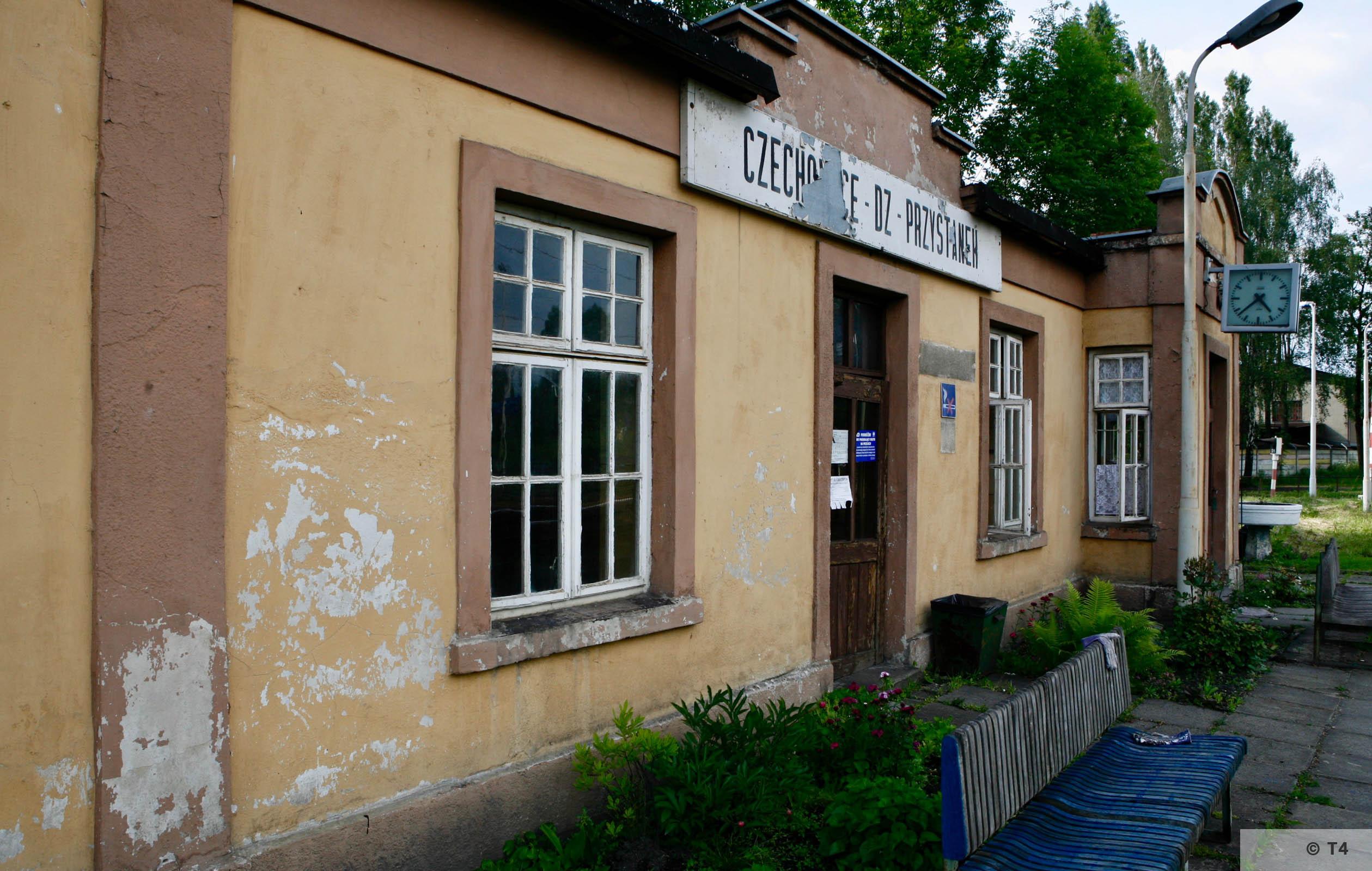 Czechowice DZ Przstanek railway station near the former sub camp. 2006 T4 6665