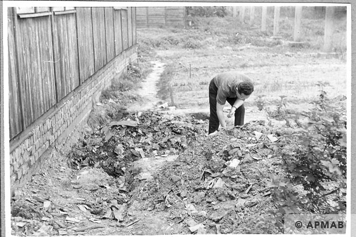 Excavations carried out in the sub camp. 1966 APMAB 10042