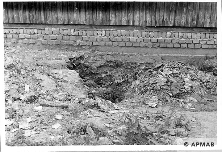 Excavations carried out in the sub camp. 1966 APMAB 10047