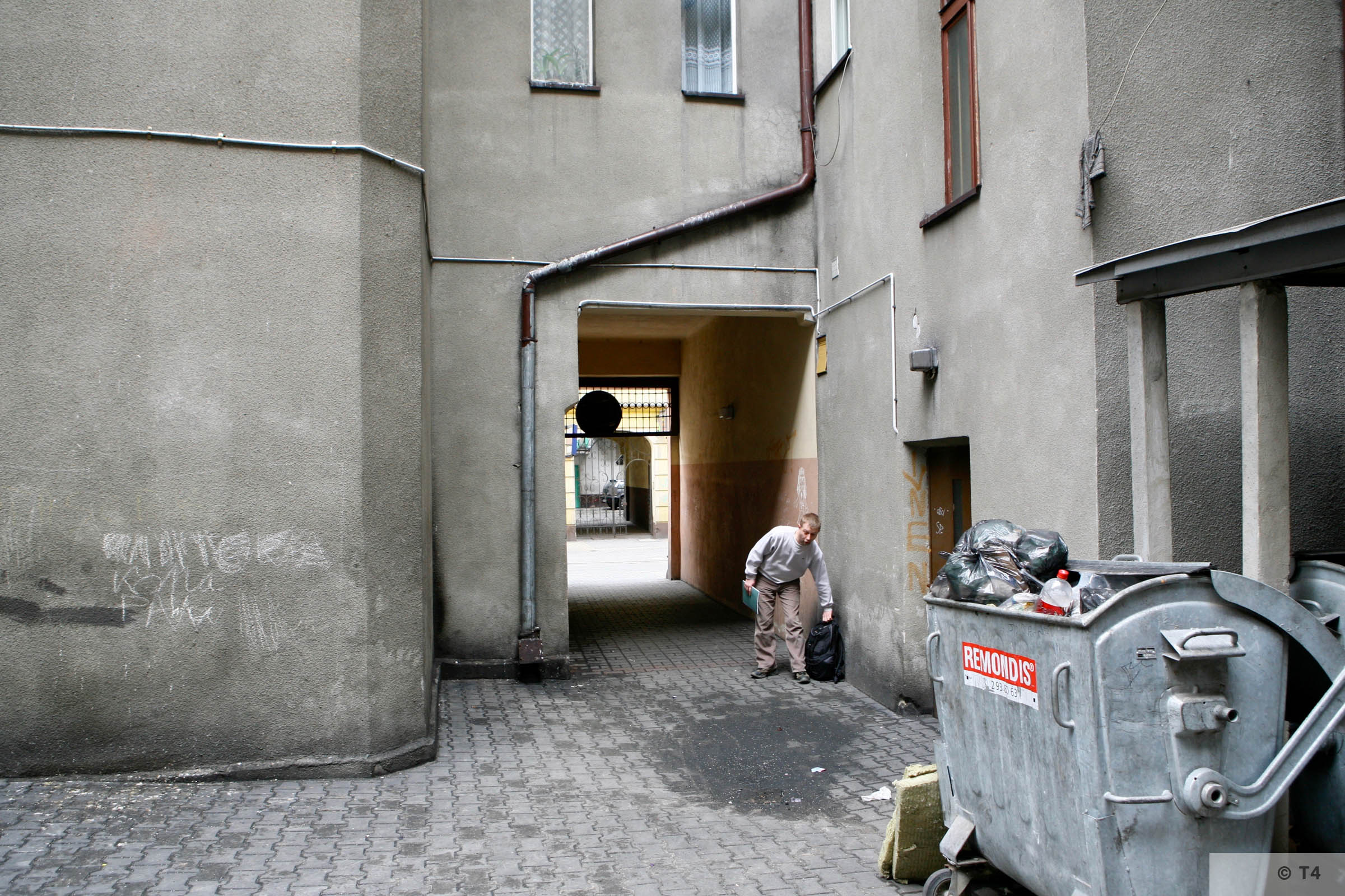 Former Central Jewish Communities Headquarters courtyard in Sosnowiec. 2007 T4 4291