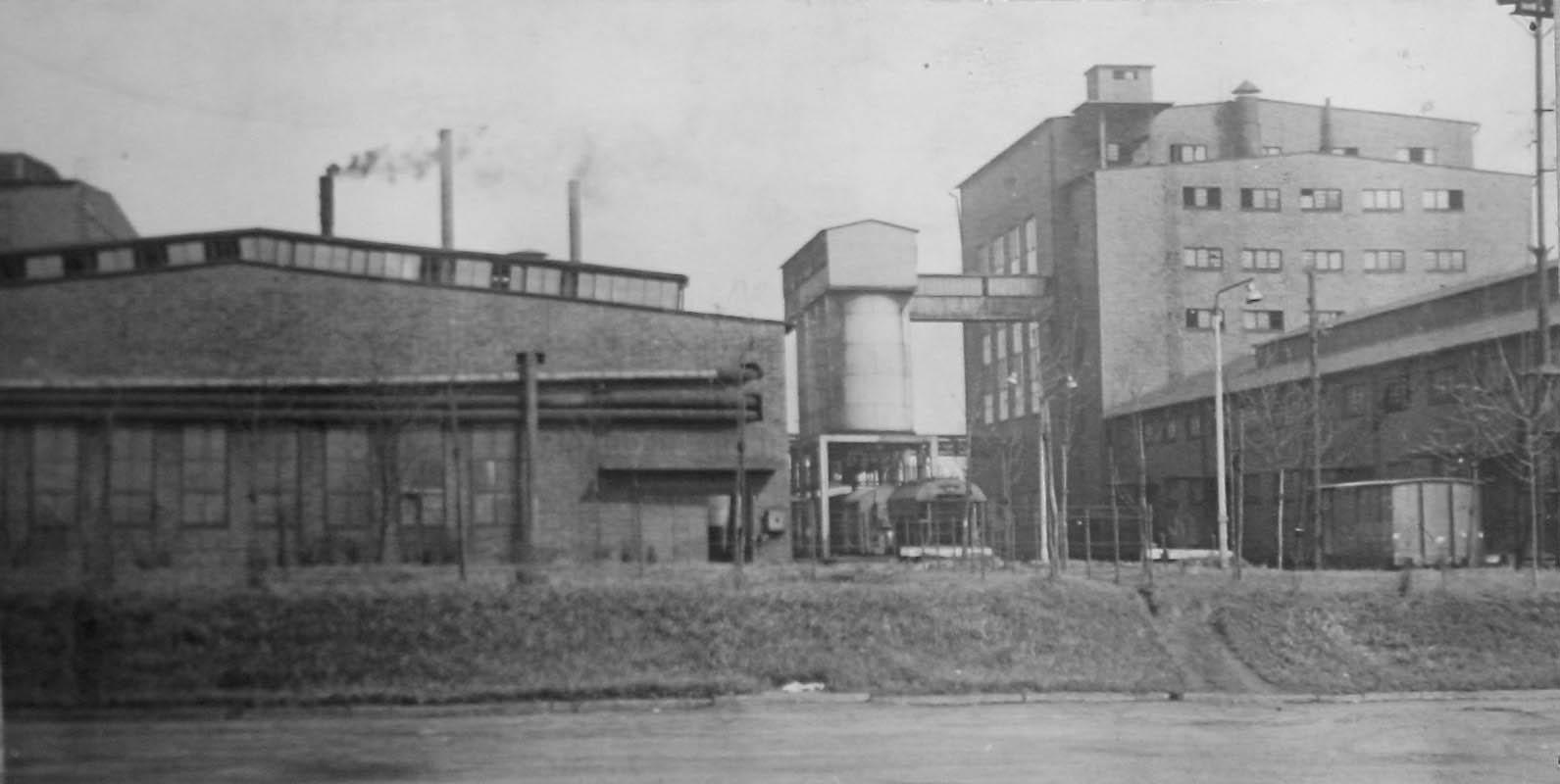 Former Deutsche Garusswerke after being rebuilt post war 5392