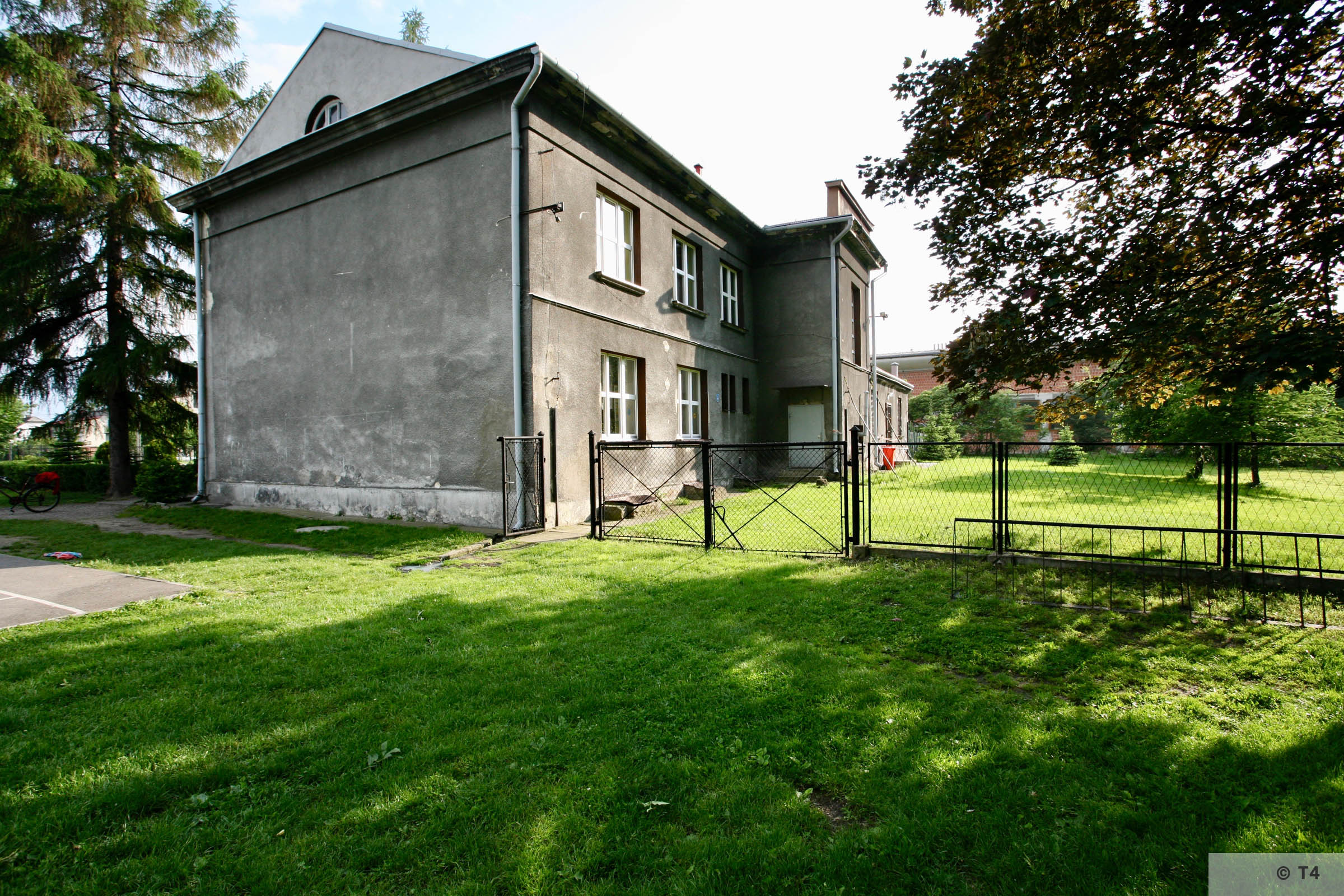 Former Gustav Zwilling Villa now primary school. 2006 T4 5067