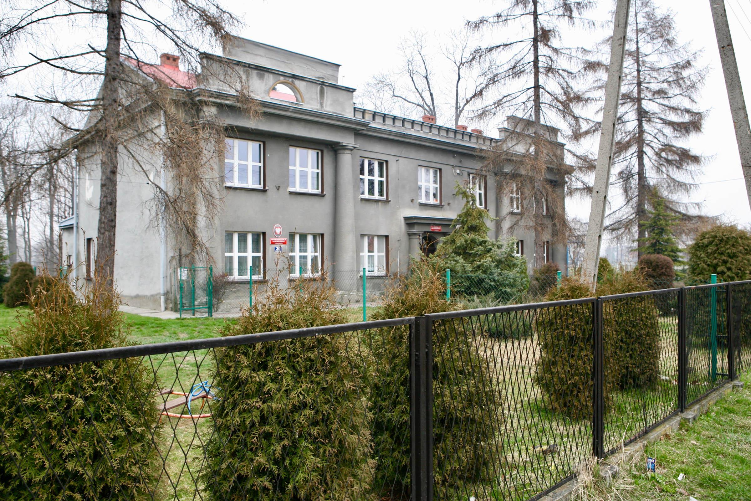 Former Gustav Zwilling Villa now primary school. 2007 3034