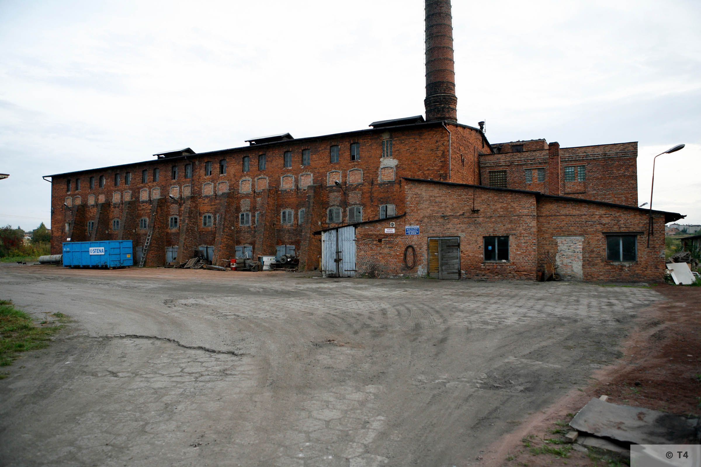 Former Hercer brickyard. 2006 T4 3594