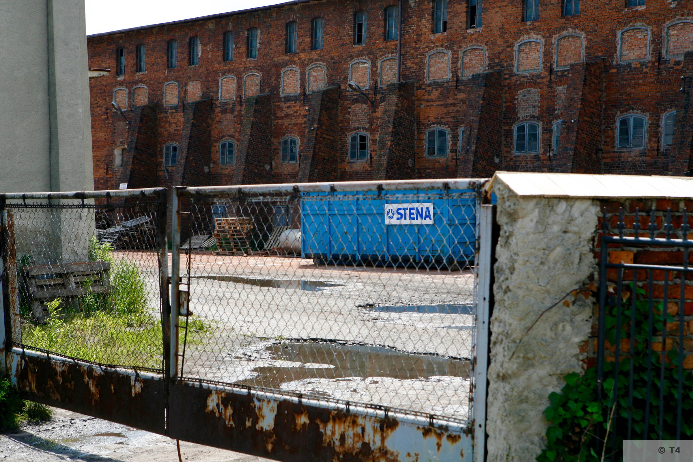 Former Hercer brickyard. 2006 T4 6532