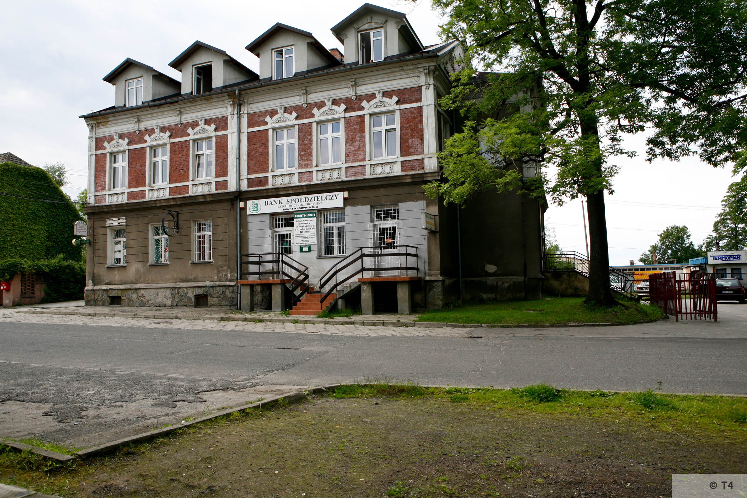 Former Hernryk Feliks beer plant office building. Office and accomodation for the SS guards. 2006 T4 6781