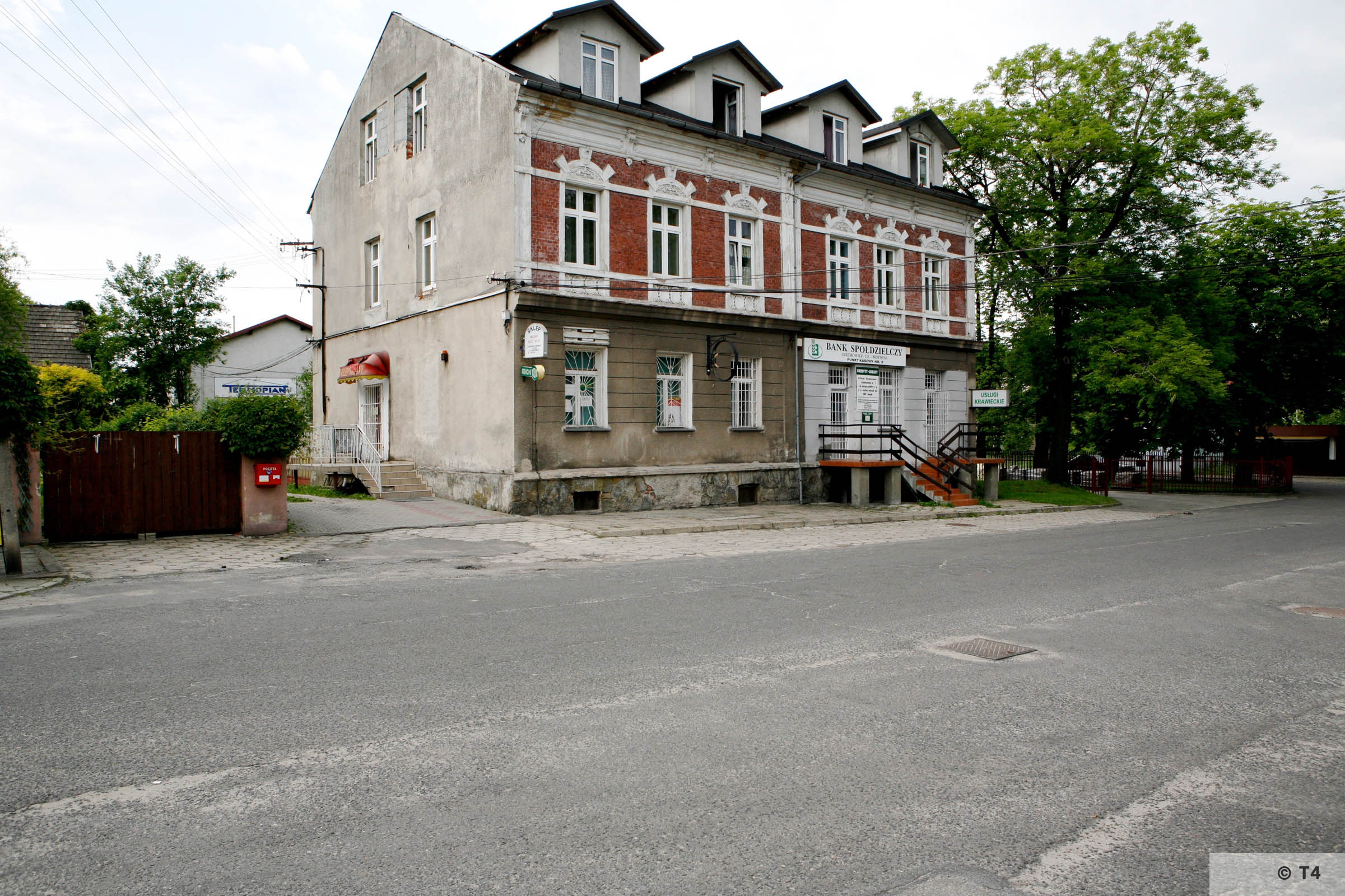 Former Hernryk Feliks beer plant office building. Office and accomodation for the SS guards. 2006 T4 6785