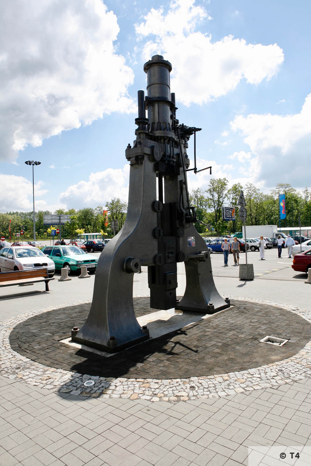 Former Zabrze steel works. Monument for the steel works. 2006 T4 6211