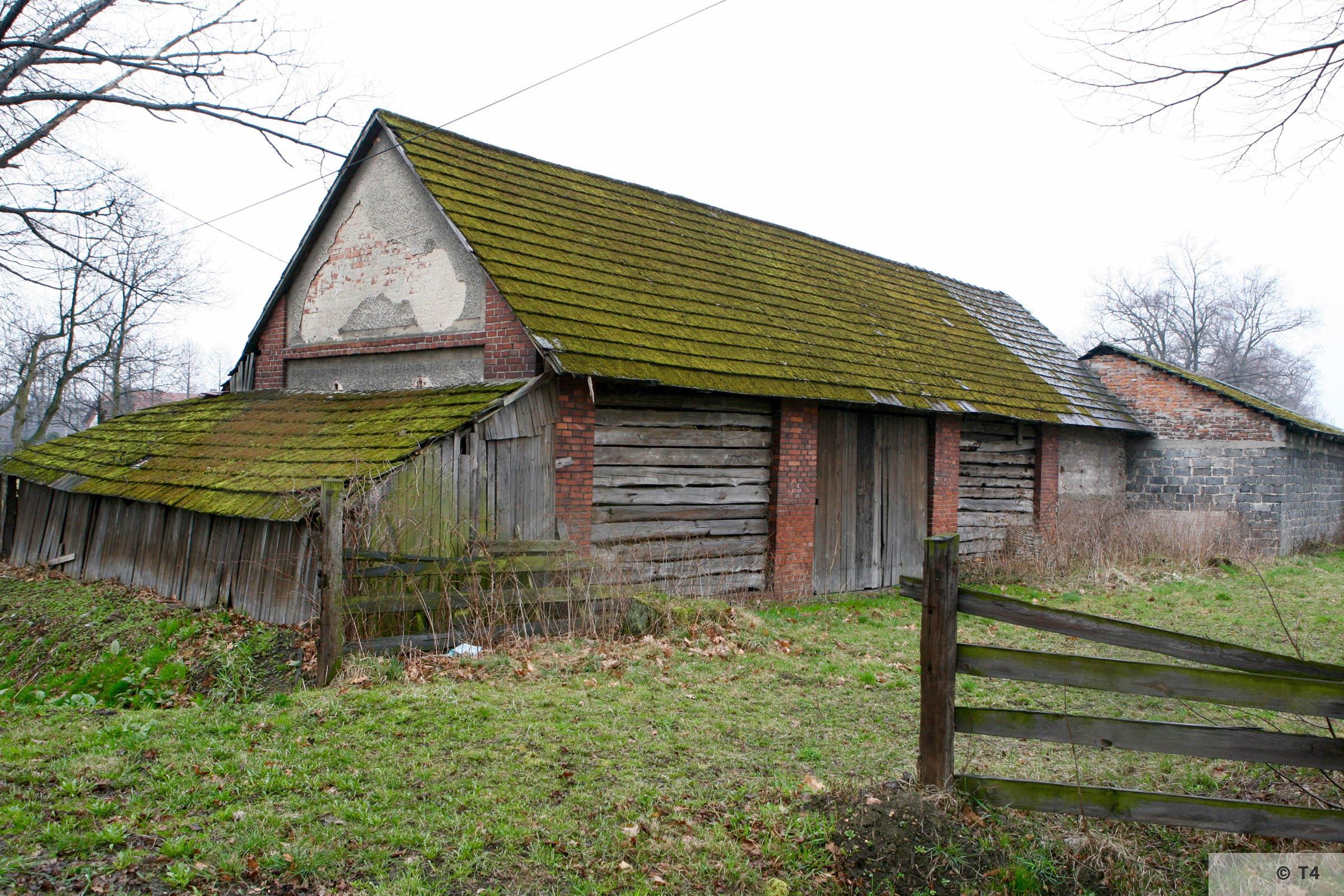 Former barn. 2007 T4 3809