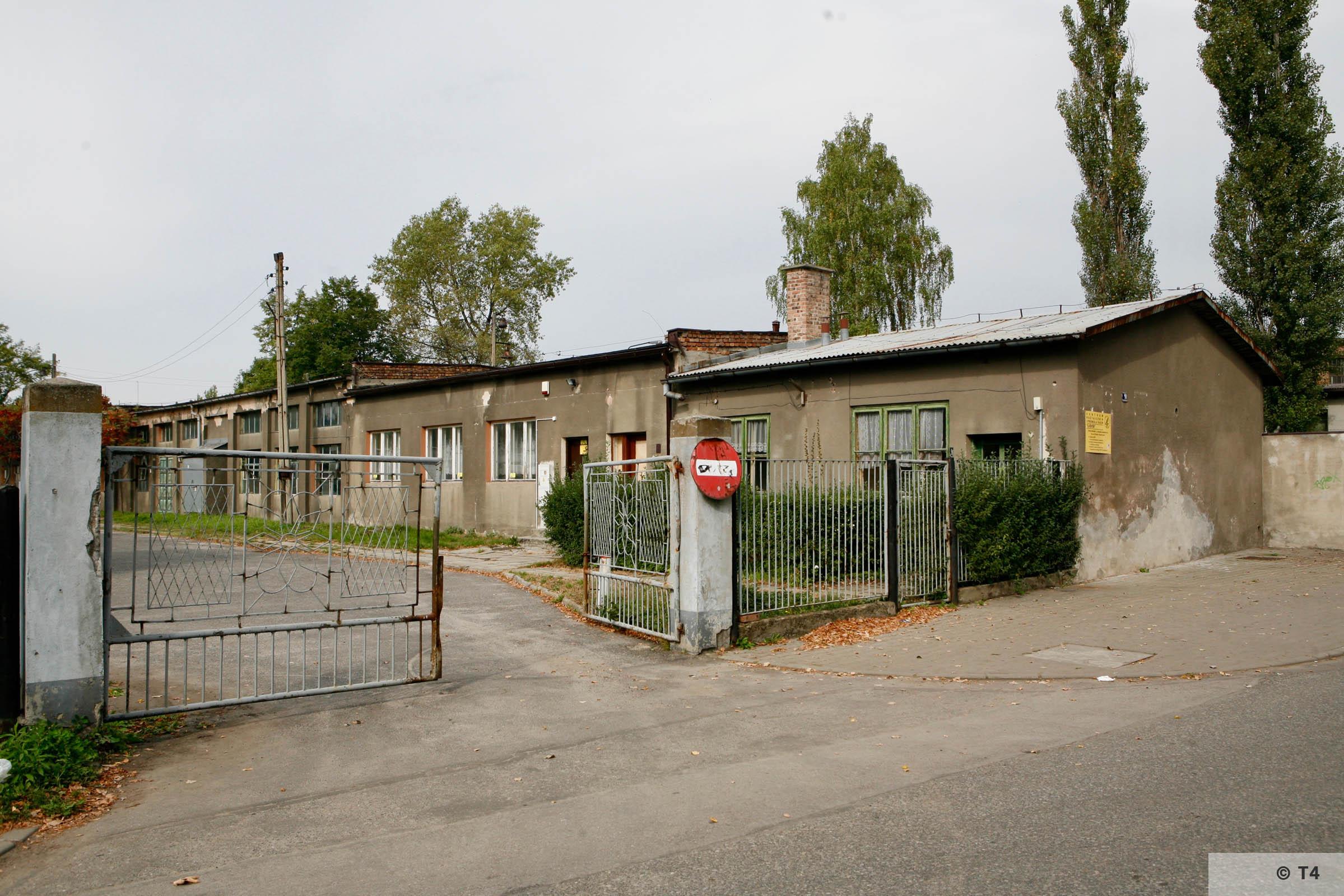 Former camp barrack at main entrance gate. T4 2777