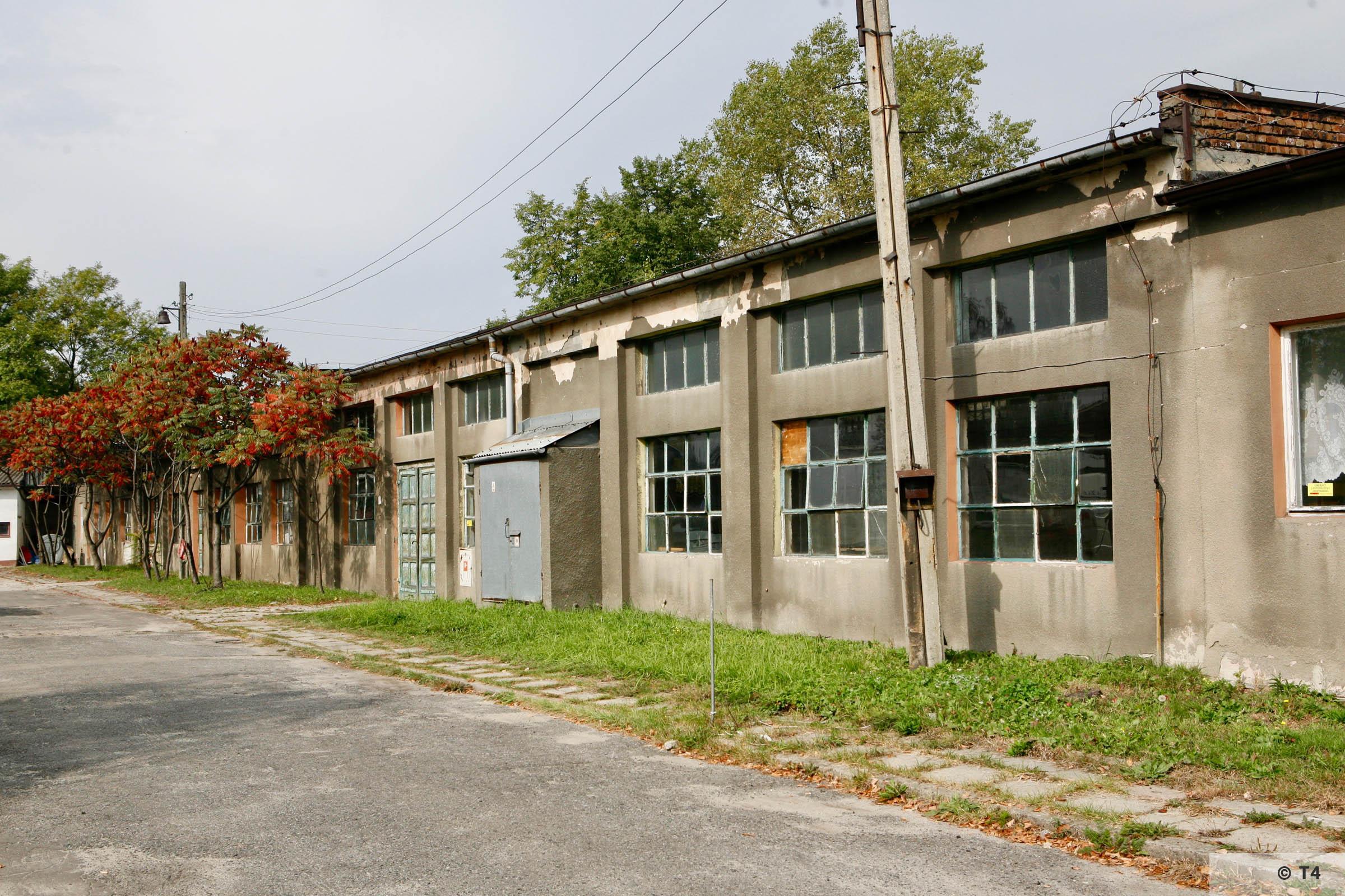 Former camp barrack next to the former Blockführerstube near the camp main entrance gate. T4 2788