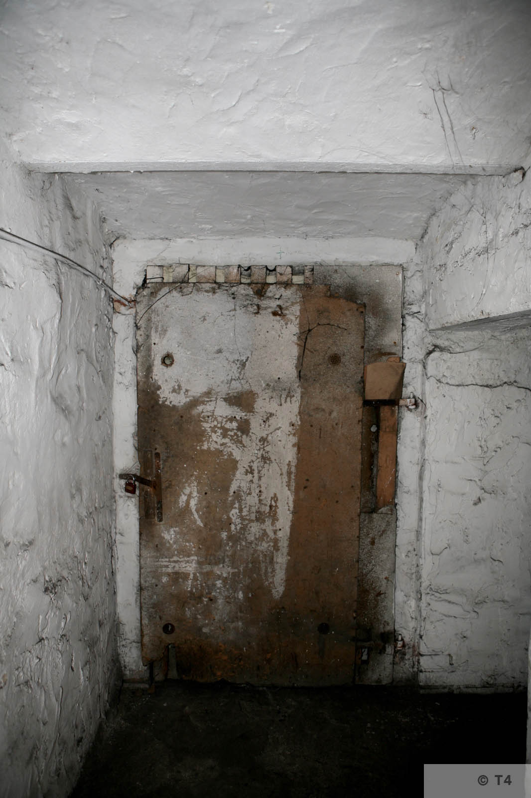 Former cells in the basement of the amdinistration building and prisoner accomodation. 2008 T4 4556