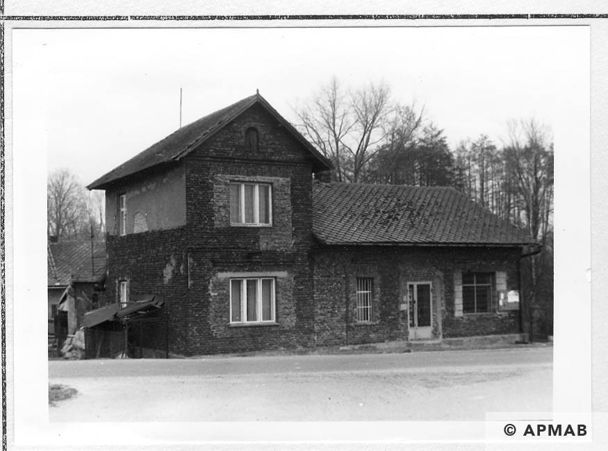 Former house of Psota family used as smokehouse and where prisoners from Fischerei Komamndo lived from June 1942. 1993 APMAB 21746 8