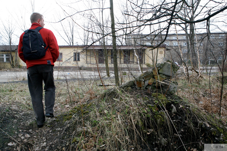 Former prisoner barrack and 1950s blocks for juveniles. 2007 T4 6247