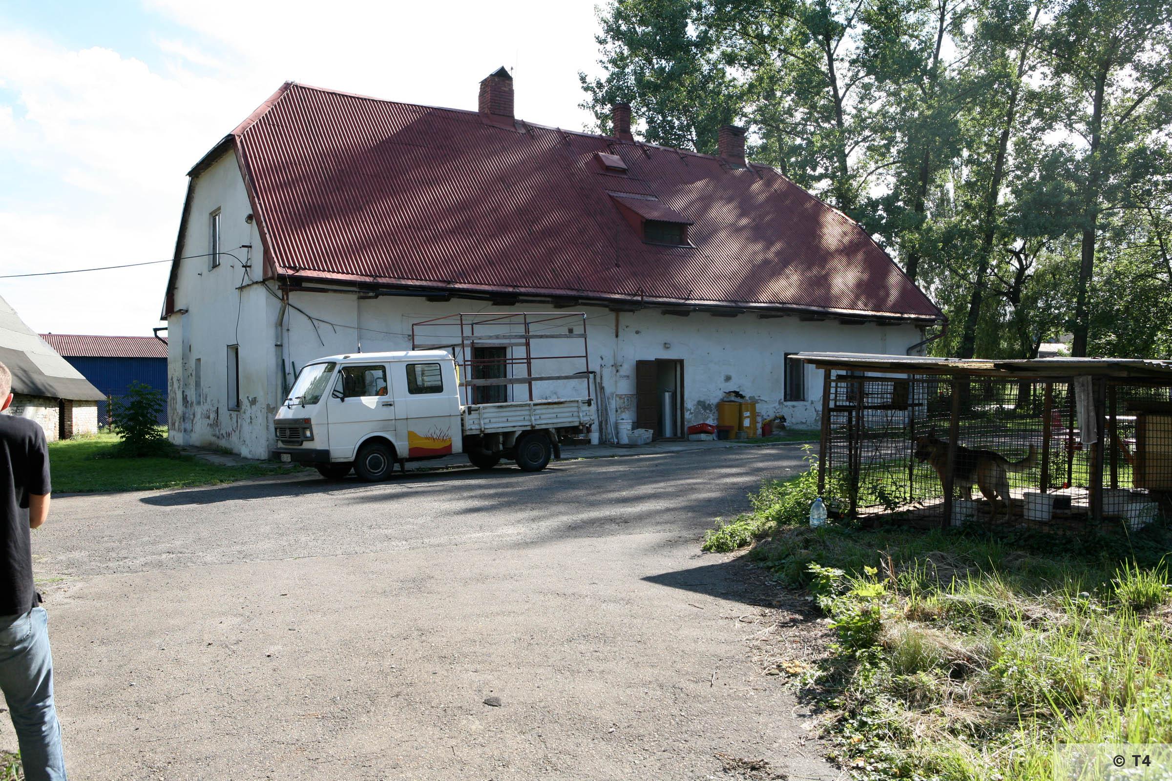 Former smithy building commandants office. 2007 T4 9360