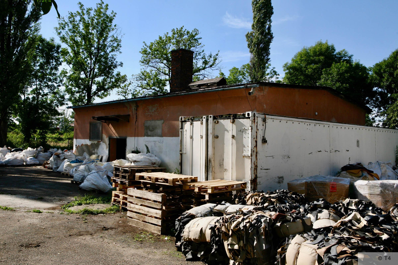 Former washroom building. 2007 T4 9306