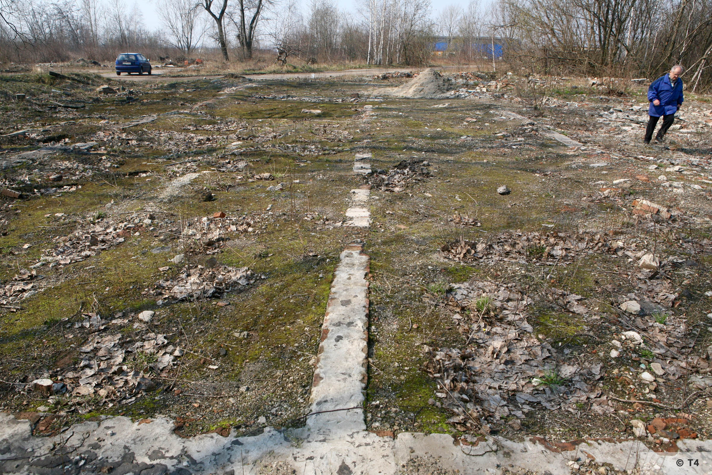 Foundations of barracks in the area of the former sub camp. 2007 T4 6671